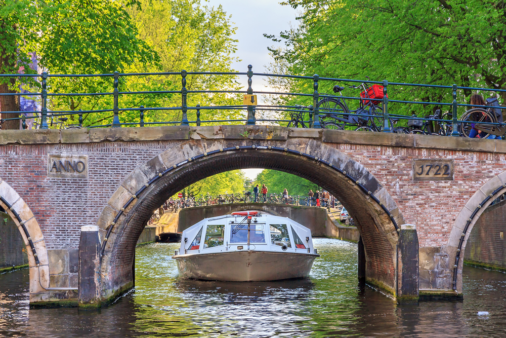 amsterdam bridge canal boat